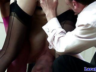 reife Milf in Strümpfen Kitzler pleasuring Babe