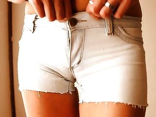 die meisten runden Arsch jugendlich! tragen enge Jeans-Shorts! + Cameltoe!