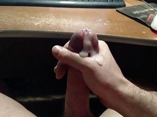 mein Schwanz für eine große Ladung Sperma streicht