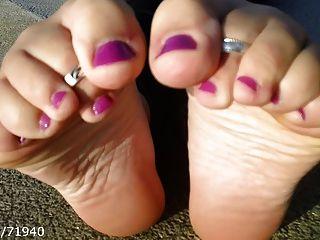 offen Füße Sohlen und Schuh Entfernung