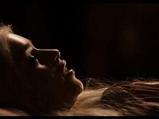 02.04 - cum Tribut an Emilia Clarke - se