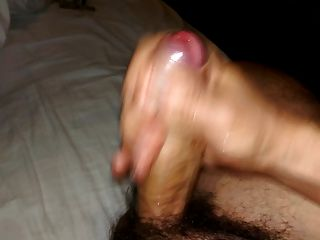 ungeschnitten Schwanz wichsen und cum