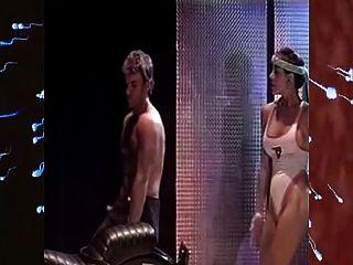 Liebhaber tanzen auf der Bühne & ficken