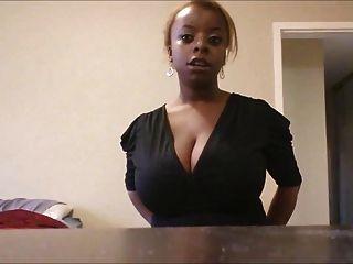 Lifestyle-Mädchen mit riesigen Titten