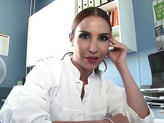 Folge 1 Krankenschwester selma spricht!