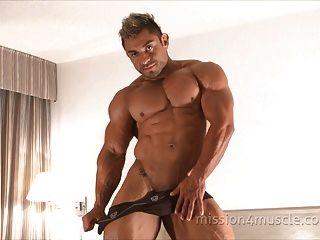 Bodybuilder Muskel Anbetung