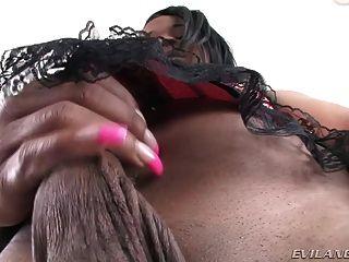 hot Transvestiten bonnie zeigen ihr Schwanz ersten Mal