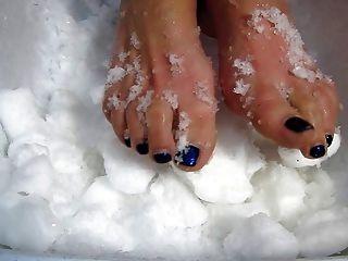 Eis Füße Folter