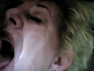Gesicht voller Sperma Oma von satyriasiss