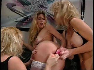 kimberley Kupps 3some lesben