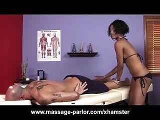 große Titten Ebenholz Massage 69 und abspritzen