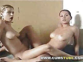 herrlich Lesben vor der Webcam