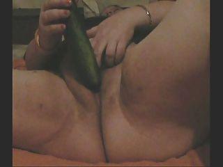 bbw fickt ihr selbst mit einem cuccumber auf Webcam für mich