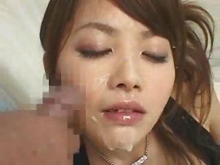 heiße asiatische Schlampe Gesichtscumshots