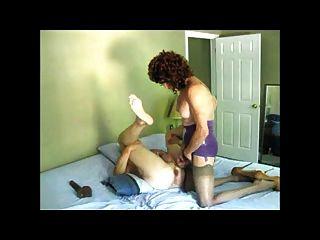 reife Frauen mit Schwanz ficken Mann