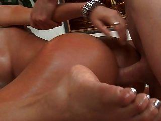 sehr heiße Latina bekommt gute analfuck und Sperma am Arsch