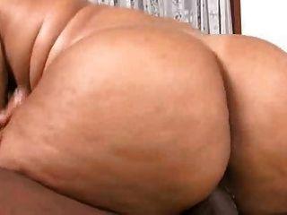 Eleonora und ihre großen fetten Arsch wirklich hart gefickt