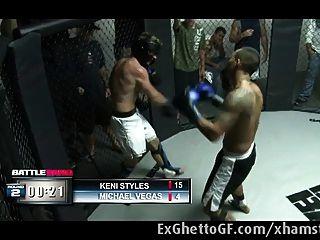 schwarze Schlampe von einem MMA-Kämpfer gefickt
