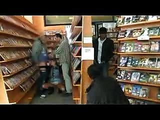 bukkake in einer Videothek