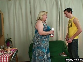 Frau sprengt ihr Mann verdammt große Oma