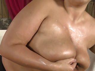 blonde Kurzhaar-emo-bbw mit tollen Bauch