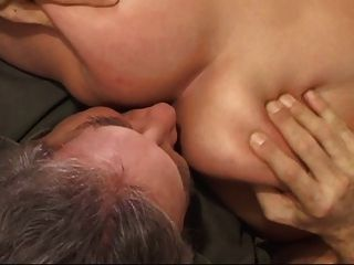 Babe blond ass mit oldman lecken