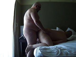 detroit Döbel von großen kahlen Bär barefucked