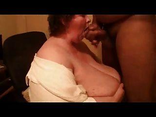 minchie großen Titty Blowjob
