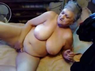 Oma liebt noch masturbiert! Amateur
