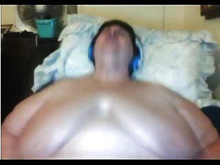 bbw Oma vor der Webcam masturbieren