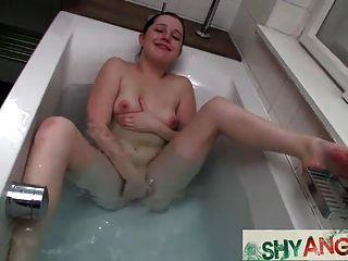 jugendlich angela im Bad