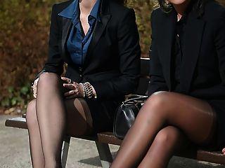 2 junge sexy Sekretärinnen in Vintage Strümpfe & garterbelt