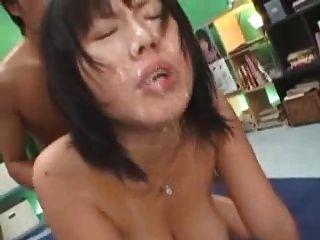 japanisches Mädchen, große Titten bukake
