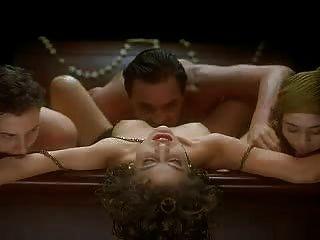 Alyssa Milano - der Vampir umarmen