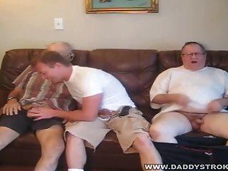 nebenan guy - 2 reife Daddies mit dem Typ von nebenan