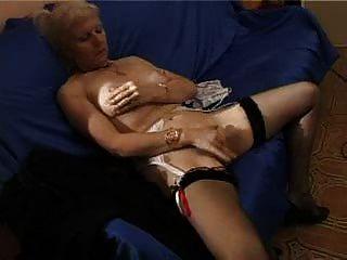 französisch rasierte blonde Oma pt1
