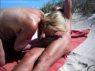 Strand blow job