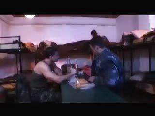 Militär Hardcore mit großen Schwänzen