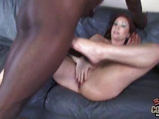 Abtastkopf Mutter fickt eine schwarze Dude