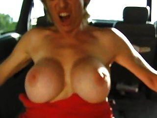 colette gefickt im Auto