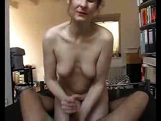 sexy MILF macht ihn schnell cum!