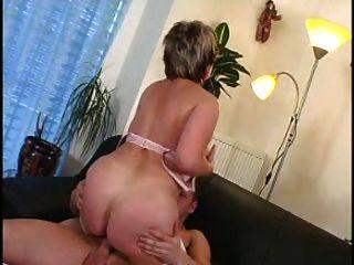 sexy mom n93 reifen mit ihrem Trainer