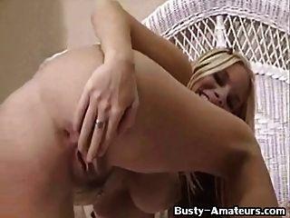 busty Babe Maria Fuchs an heißen Masturbation