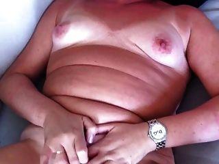 Frau wichst und Cums für meinen Mann