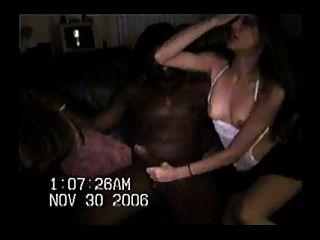 heiße Frau mit ungeschnittenen hung bull - Teil 1
