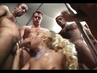 brasilianisches blonde gang bang