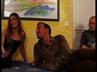 französisch Frau ist vor ihrem Mann ficken