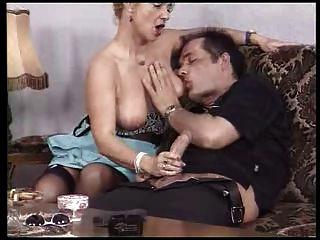stinkreich Tante 01