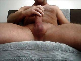 spielen mit meinem großen dicken Schwanz, viel Sperma .... :)