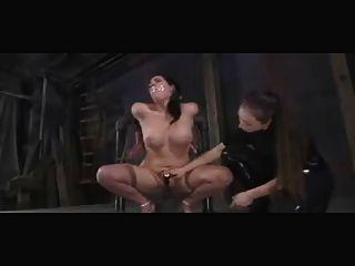gedemütigt und Lesben bdsm Sklaven bestraft